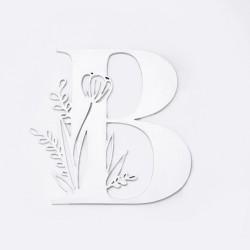 Буква с флорален мотив